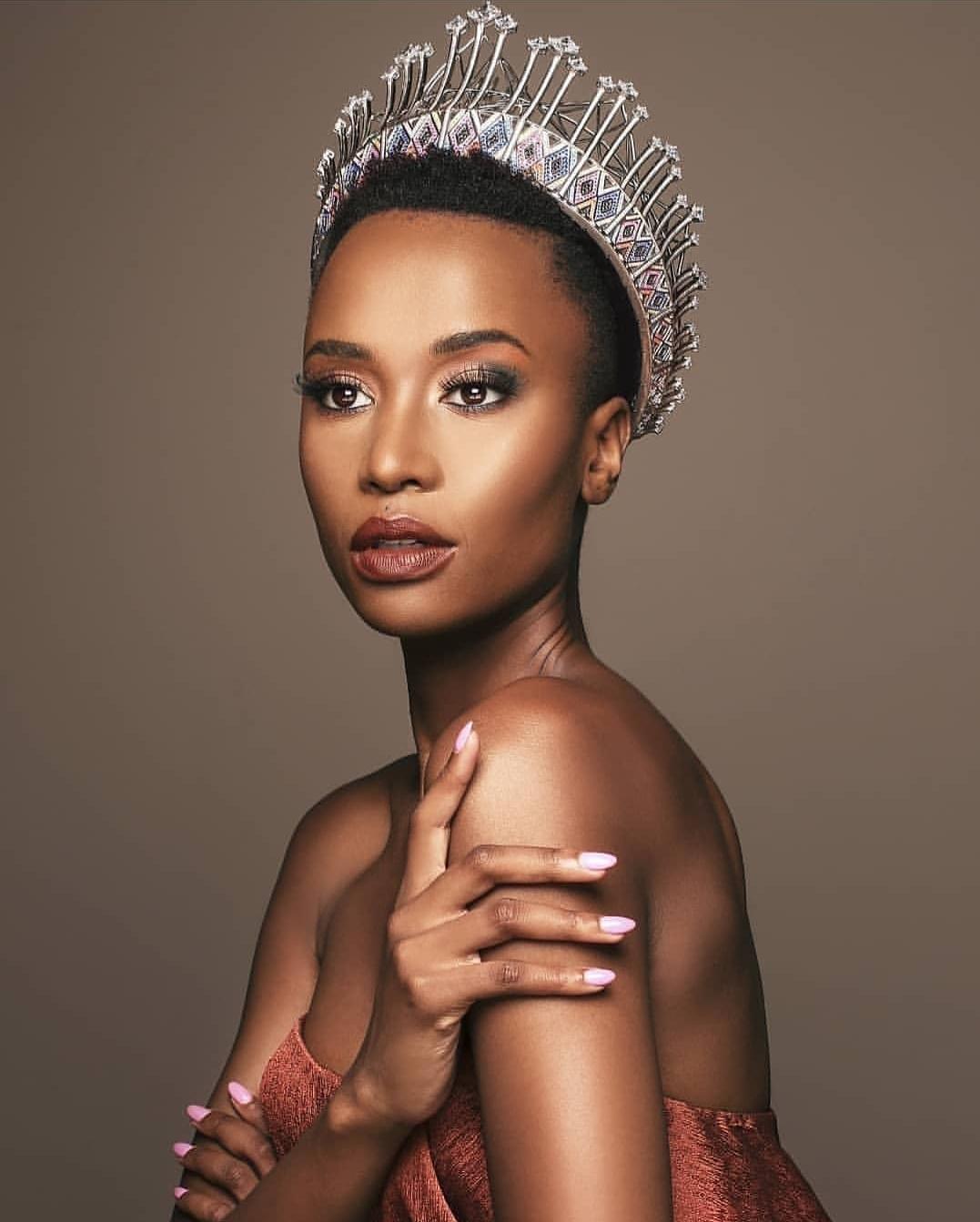 Zozibini Tunzi Miss Afrique du Sud devient MISS UNIVERS 2019.