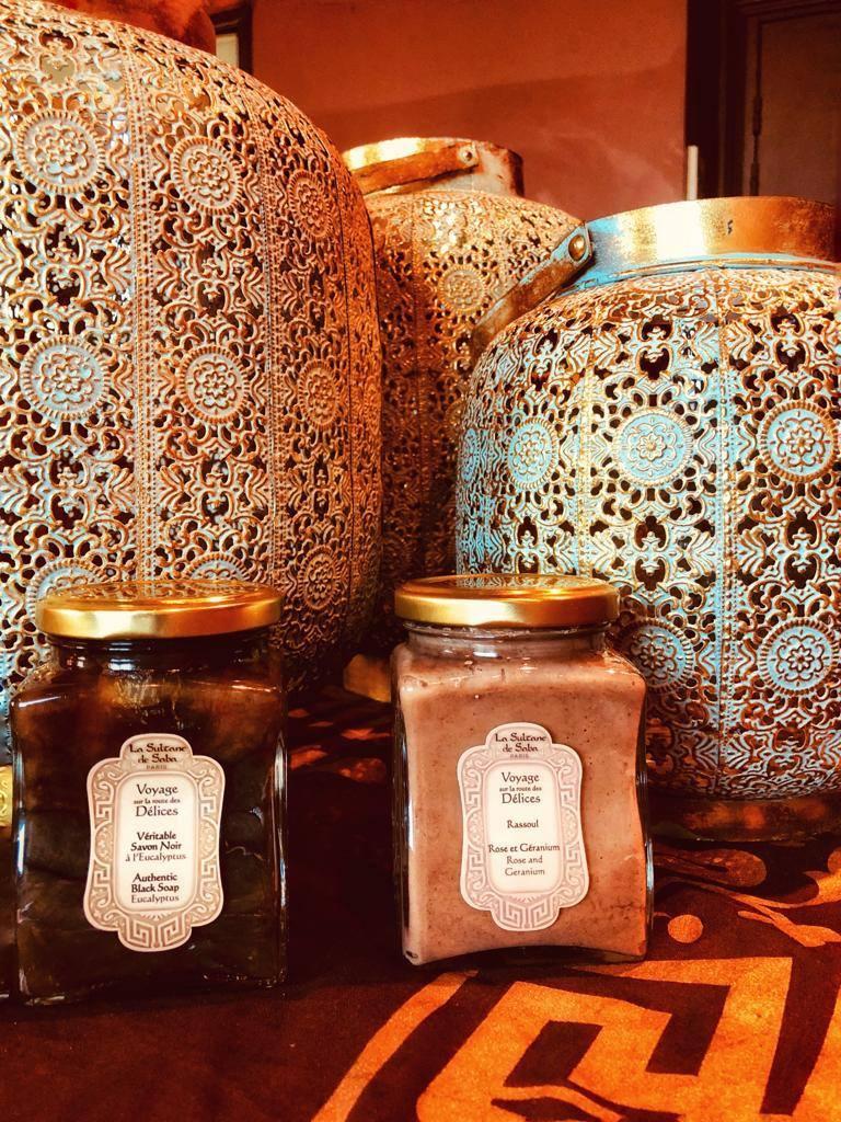 Le savon noir, cet inconditionnel du rituel du hammam